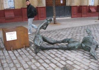 estatua-de-dali-vandalismo