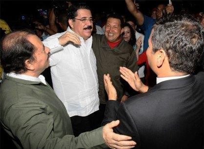 Daniel Ortega, Manuel Zelaya, Hugo Chávez y Rafael Correa, en Managua.